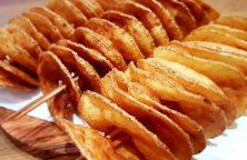 Selbstgemachte Kartoffel-Spiralchips frittiert und gesalzen