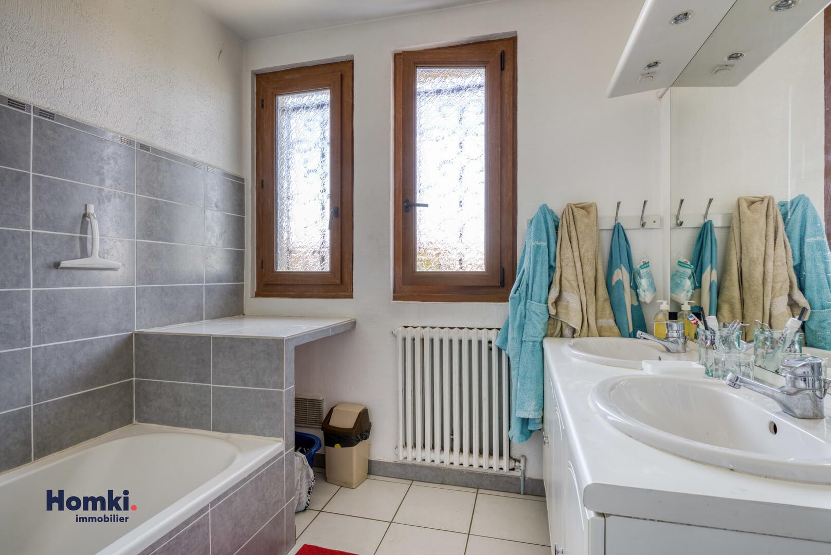 Vente maison 140m² T6 69800_10