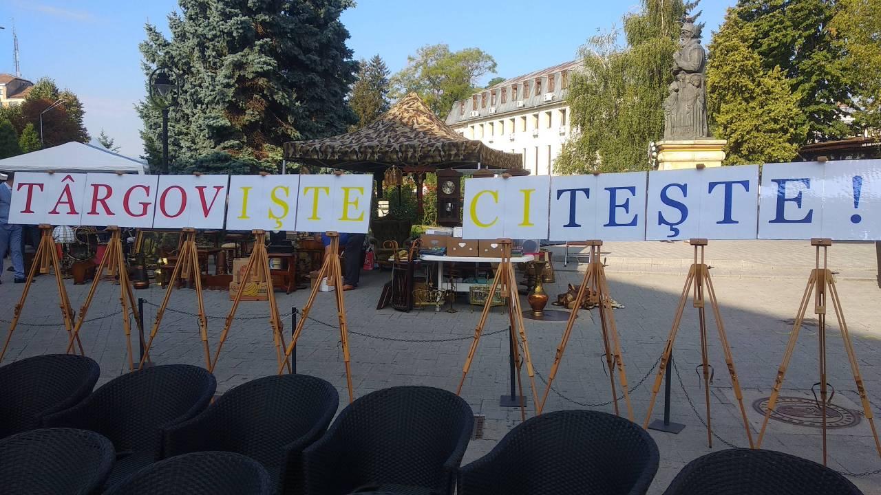 Zilele Targovistei - squarul primariei 19-09-06 - Targoviste citeste !