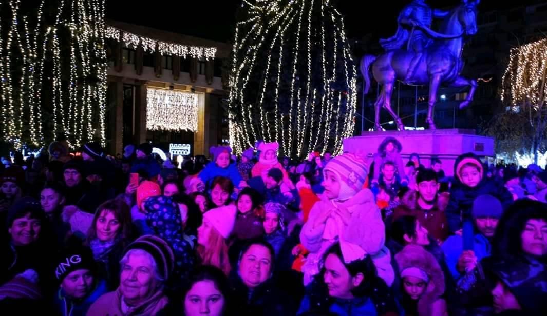 Santa is coming to town 2019 19-12-13 - Targovistenii il asteapta pe Mos Craciun