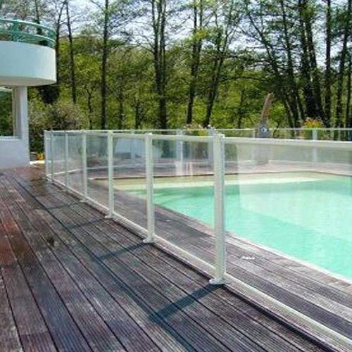 barri re de protection baltic id es piscine. Black Bedroom Furniture Sets. Home Design Ideas