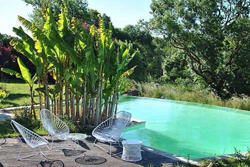 mobilier de piscine d corer les abords de sa piscine id es piscine. Black Bedroom Furniture Sets. Home Design Ideas