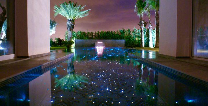 Fibre optique : l'éclairage haut-de-gamme de la piscine