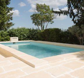Aménagement des abords d'une piscine
