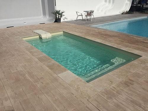 d couvrez la mini piscine coque de neptune piscines. Black Bedroom Furniture Sets. Home Design Ideas