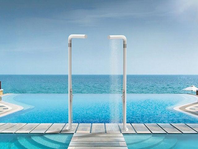 14 id es de douches de piscine design id es piscine - Douche de piscine design ...
