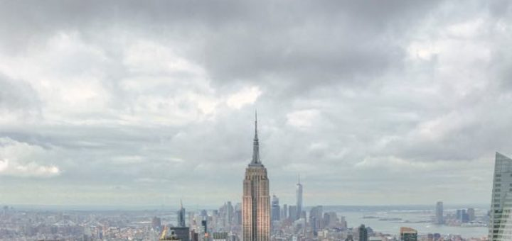 the empire state building with New York skyline