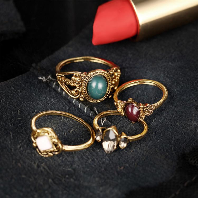 Σετ 4 Δαχτυλίδια Boho Queen σε Χρυσό Χρώμα με Πέτρες - ACCESSORISTA 06bfa84d9c4