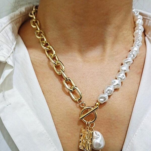 Κολιέ Χρυσό Vintage Angel με λευκές πέτρινες Πέρλες & Κρίκους