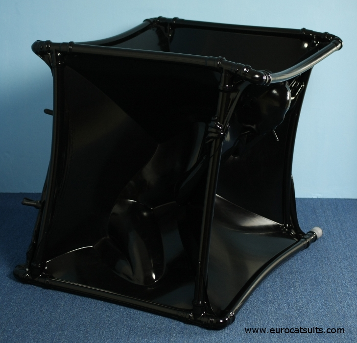 Latex Vacuum Cube 32