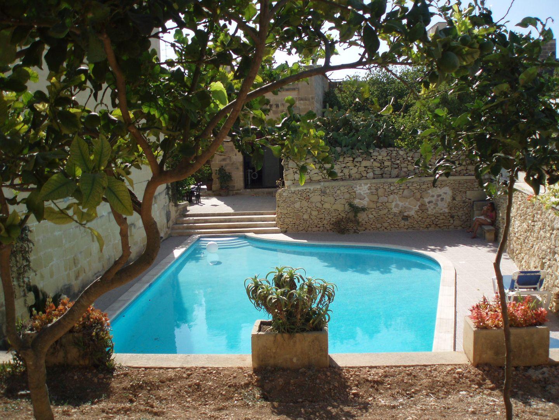 Öko zertifiziertes Bauernhaus aus dem 17 Jahrhundert mit einem großen privaten Pool und Garten