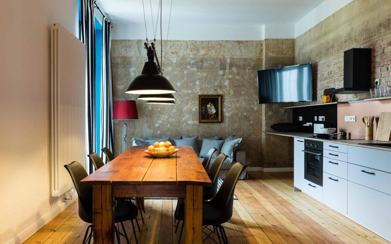 Deluxe Apartment mit zwei Schlafzimmern und Balkon Ferienwohnung am Bodensee