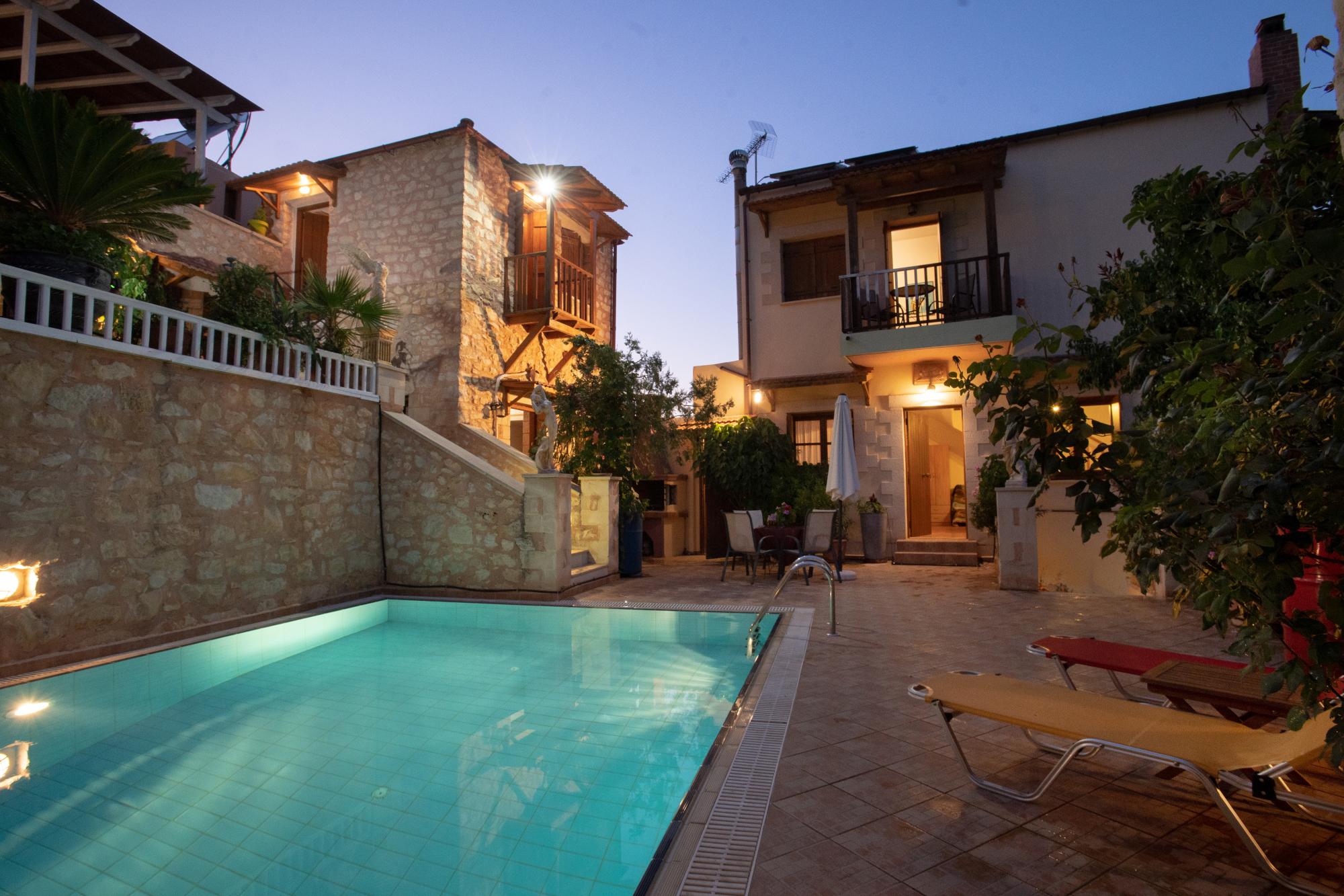 Ferienhaus In der Nhe von Strnden, 2 hnliche Huser mit Pool zu teilen (2401991), Neon Khorion Kriti, Kreta Nordküste, Kreta, Griechenland, Bild 17