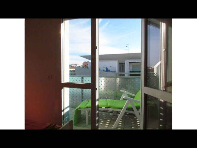 Great Apartment In Central Location Near The Beach