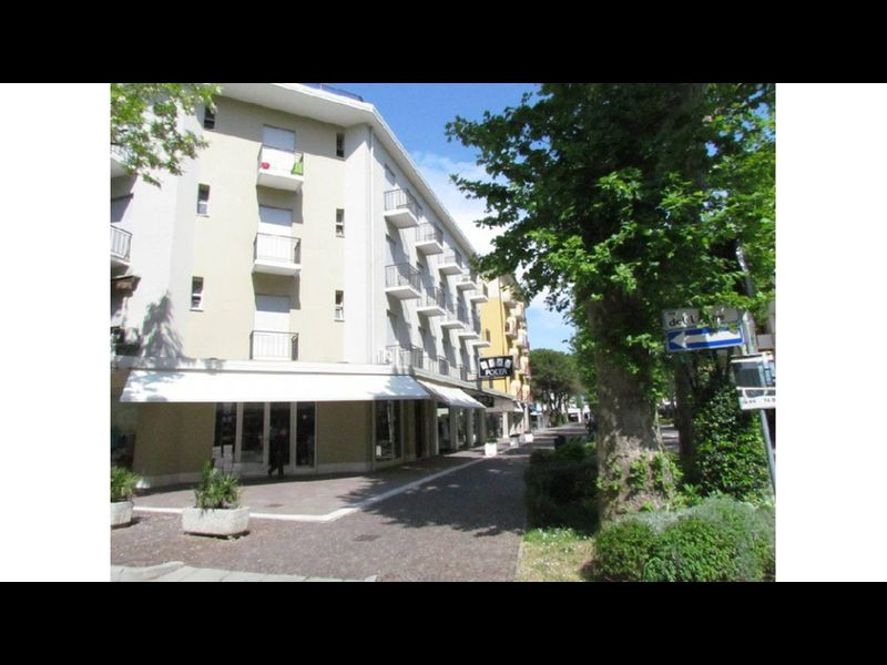 Apartment In Excellent Position Parking And Beach Place