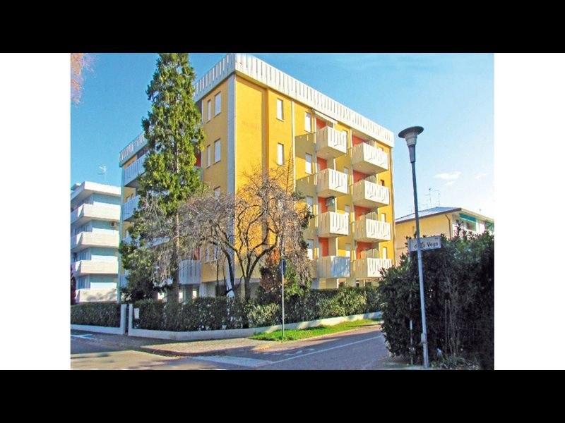 Stunning Two Bedrooms Apartment - Airco - Parking