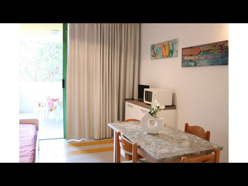 Elegant Condo 20 meters from the Beach! Air-cond - Private Parking