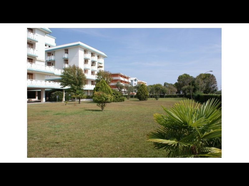 Beachfront Condo Sea View - Airco - Covered Private Parking - Beach Place