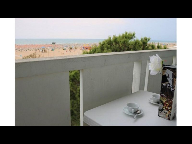 Sea View Spectacular Beachfront - Beach place with umbrella included