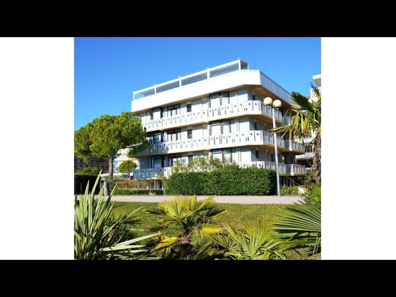 Beautiful two bedroom apartment facing the sea - sea view