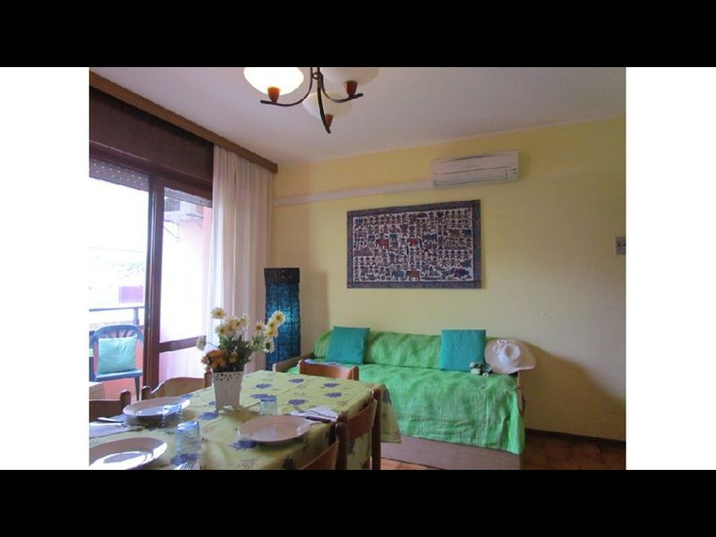 Cosy Apartment Quiet Building - Airco - Washing Machine - Private Parking