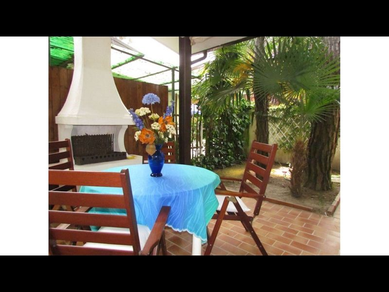 Beautiful single villa with spacious private garden