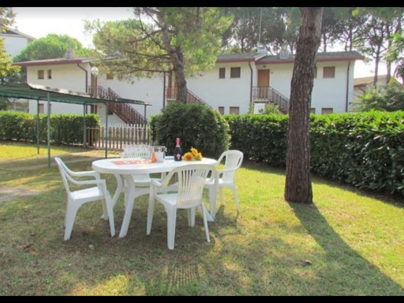 Lovely villa house with garden in Bibione Pineda