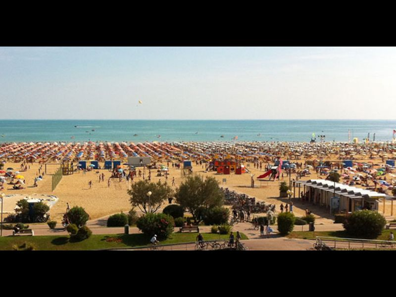Two Bedrooms Apartment Close to the Beach - Airco - Parking - Beach Place