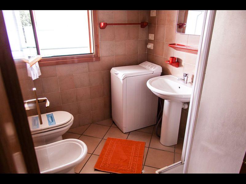Appartamento con Terrazza in Residence con Piscina per 6 ospiti