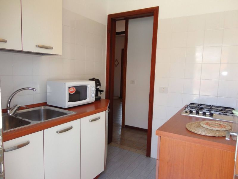 Apartment For 6 People Near The Beach