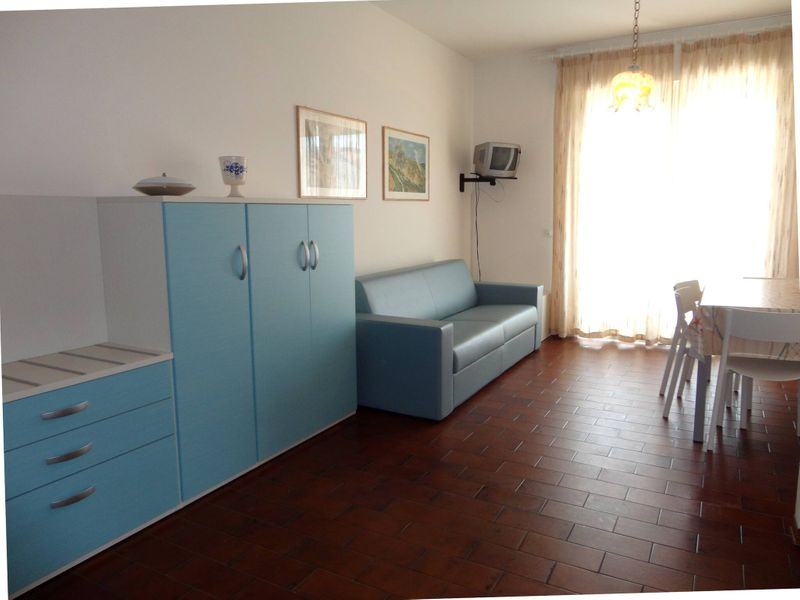 Apartment Near The Beach With Swimming Pool
