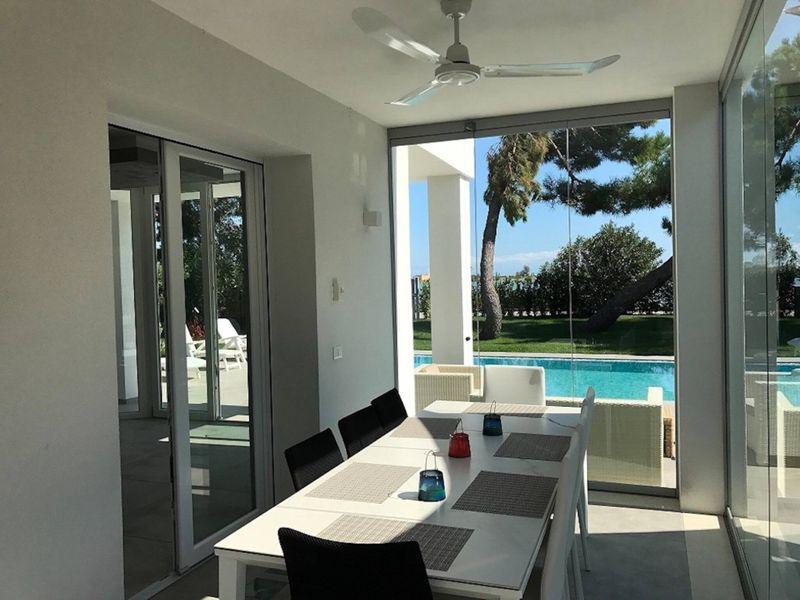 Super Villa With Private Pool in Isola Albarella
