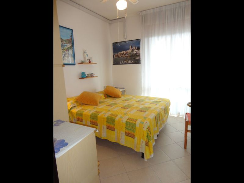 Beautiful Apartment For 4 Persons-pool-tv