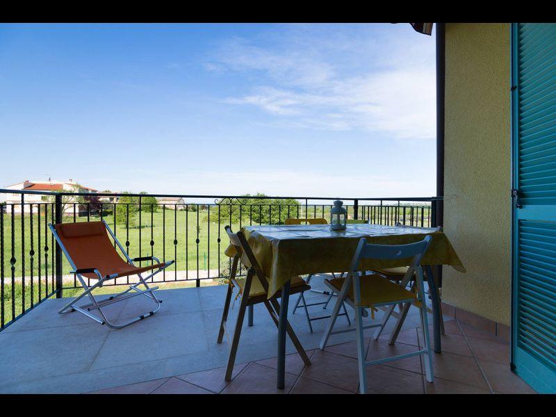 Incredibile vista mare, piscina e campo da tennis! Semplicemente rilassati