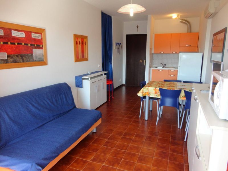 Apartment For 5 - A/c - Terrace - Swimming pool