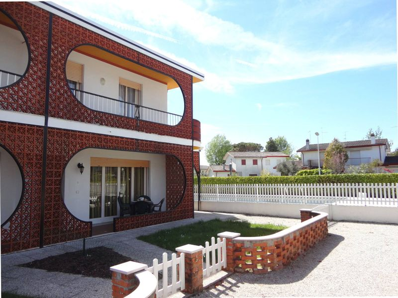 Beautiful villa with garden for 8 - swimming pools