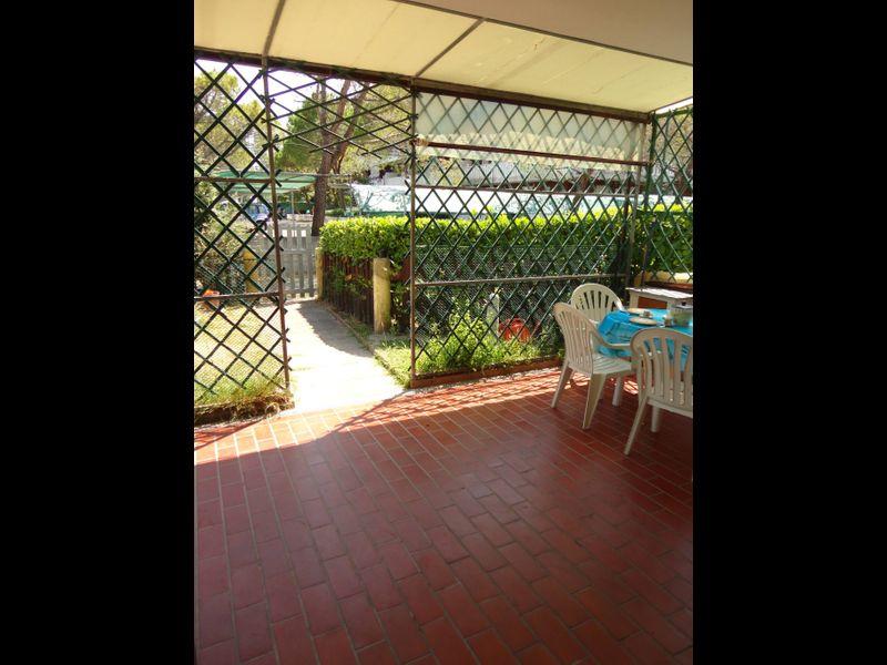 Beautiful Villa For six People-pool-tv-a/c
