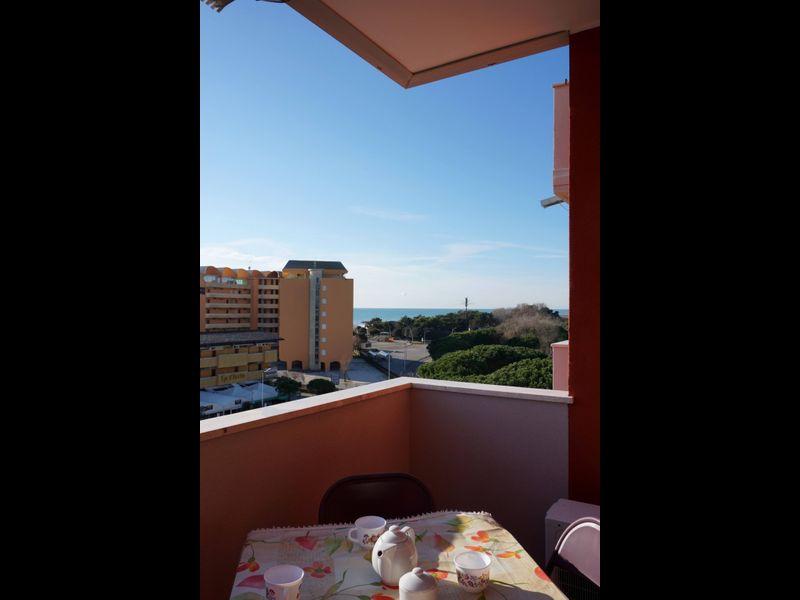 Appartamento Moderno Per 6 Persone con Piscina-a/c