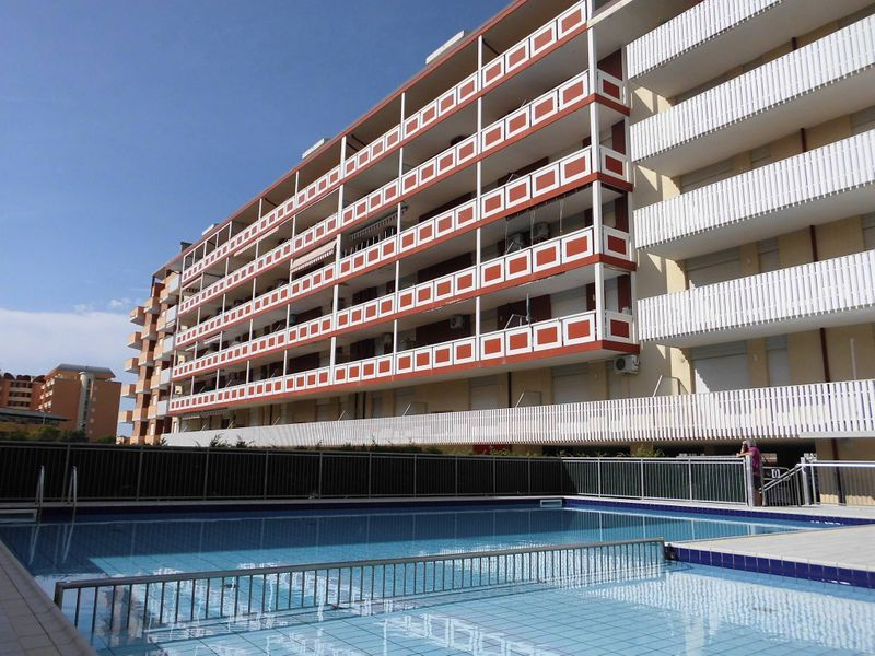 Beautiful Apartment For 5 Persons-pool-terrace