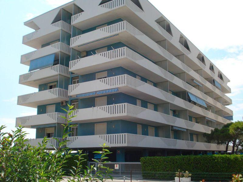 Beautiful apartment near the beach - A / C - Carport