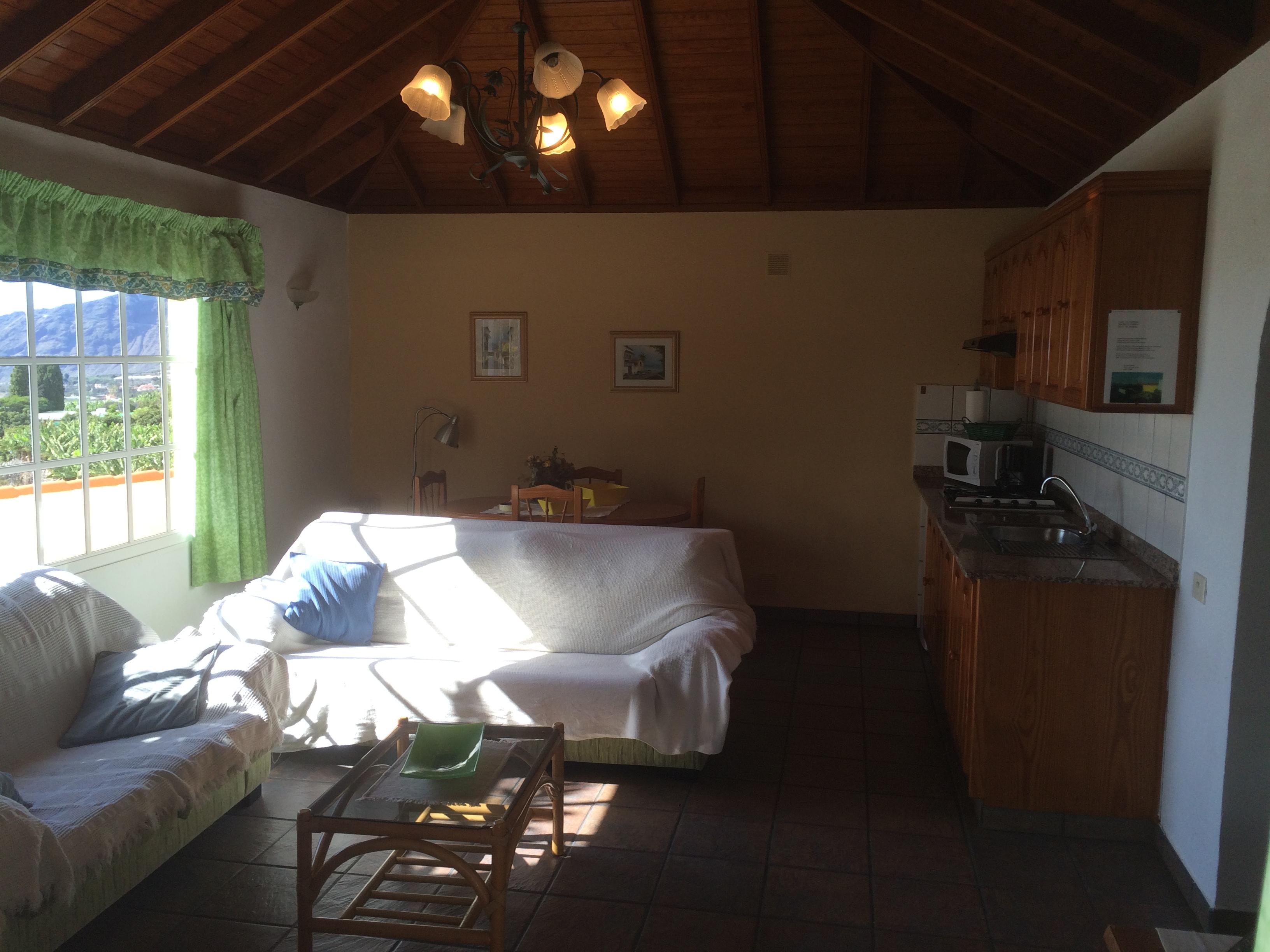 Casa con piscina privada en los llanos de aridane for Casas con piscina privada para vacaciones