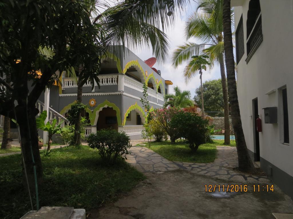 Villa Tuffah 3 Minuten zu Fus zum Strand Ferienwohnung in Kenia