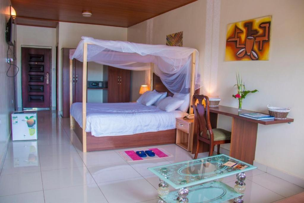 Delta Resort Hotel - Privatzimmer