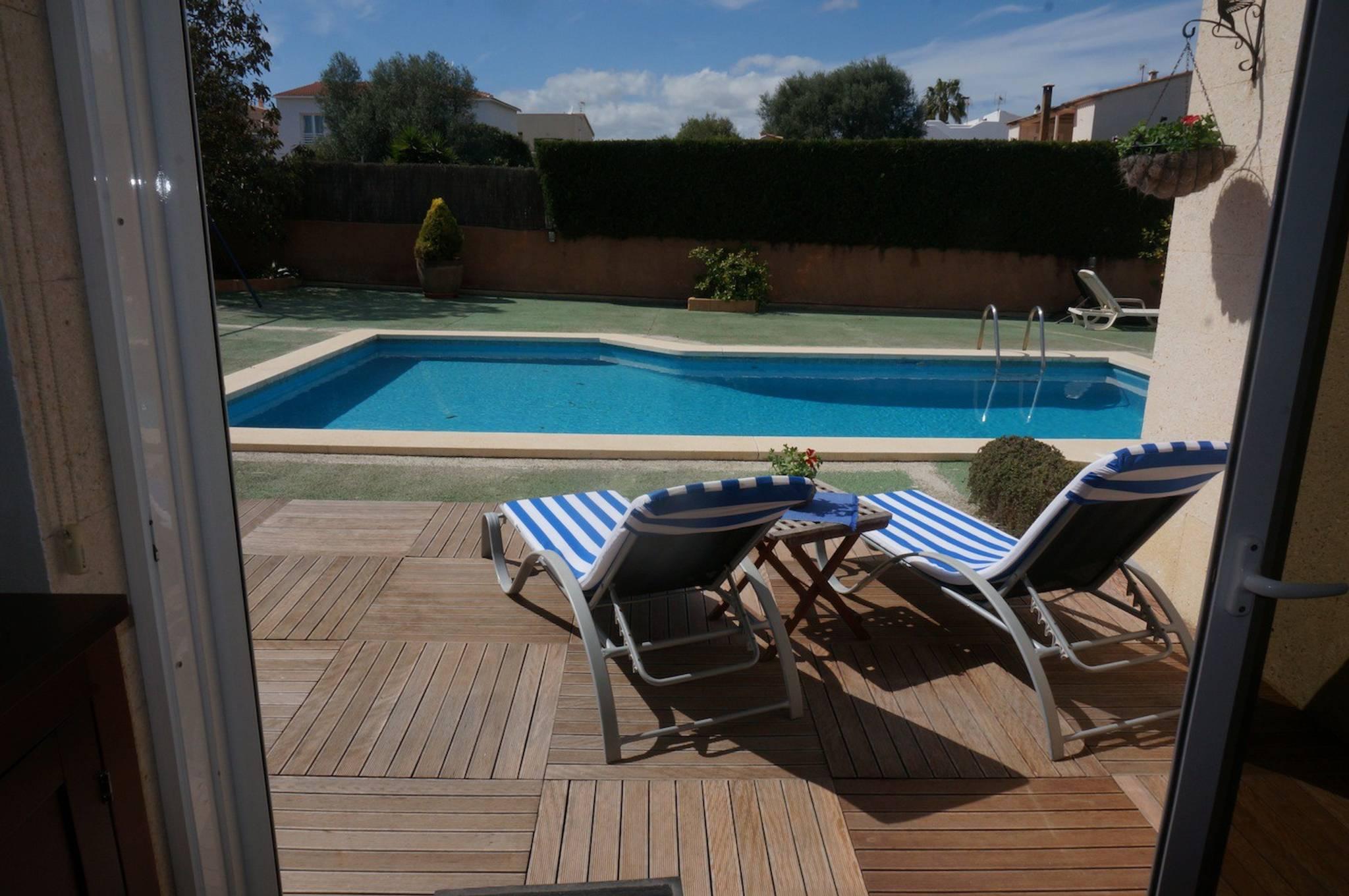 Schones Stadthaus in Porto Colom fur 6 Personen mit Pool Whirlpool Klimaanlage und Wlan
