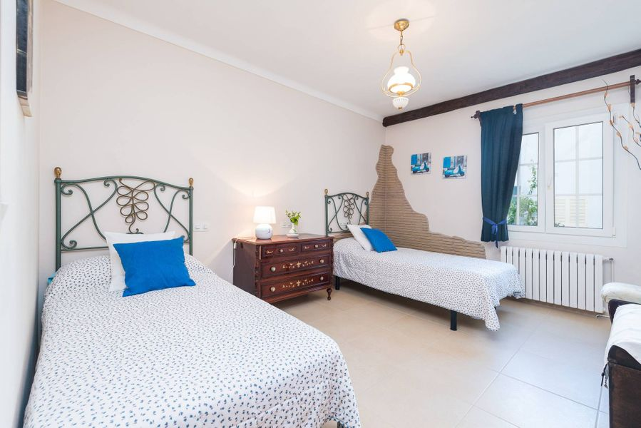 Villa Mari Pili, for 12 people about 200m from the beach Cala Marsal