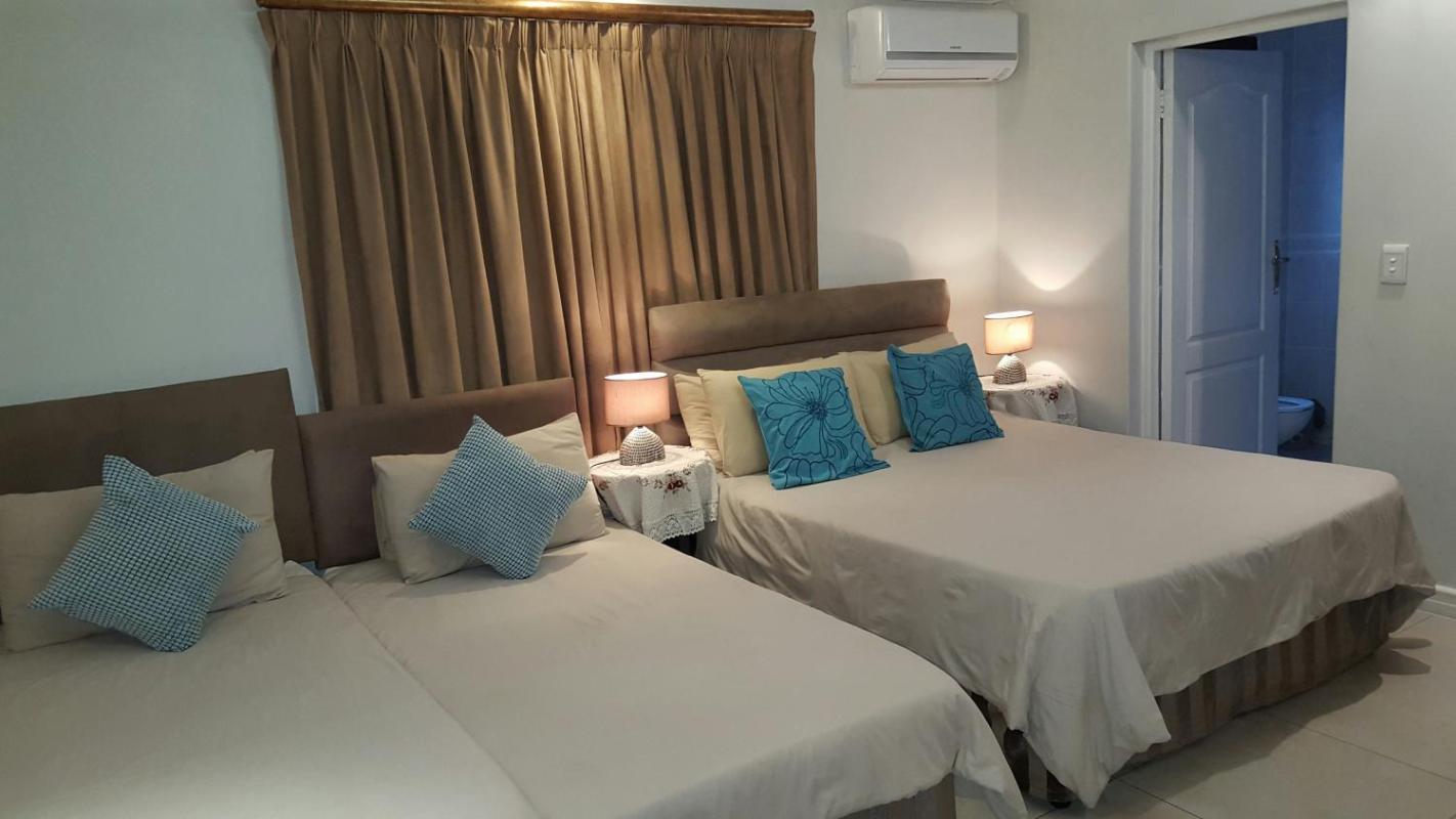 Savoy Lodge - Budget Dreibettzimmer 4  in Südafrika