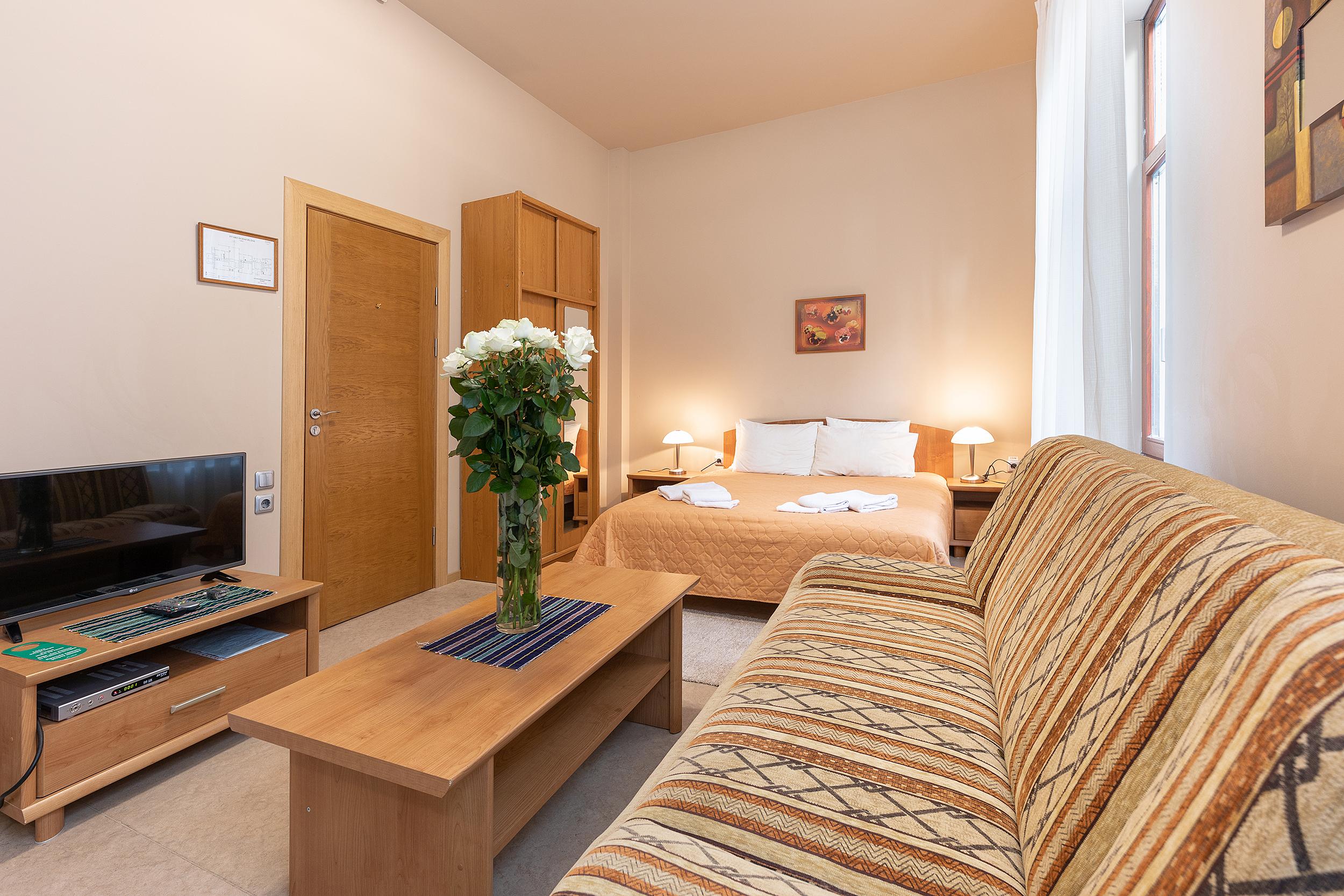 Valencia Studio Apartment Hotel