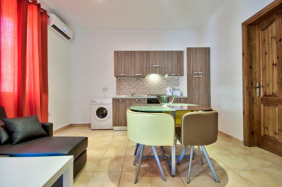 Cosy Sliema 1-bedroom Apartment