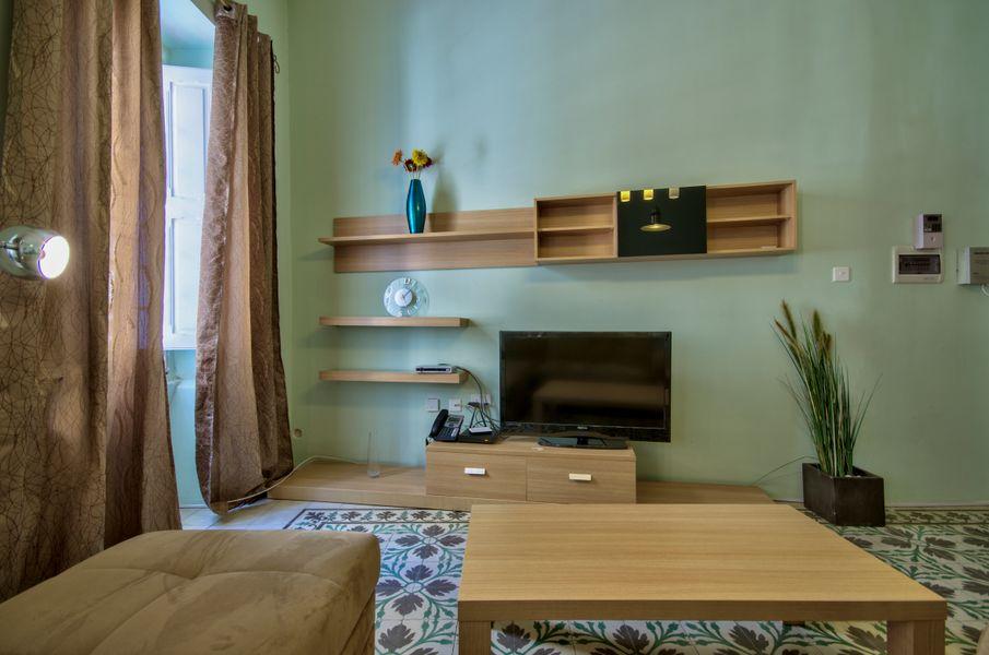 Spacious Sliema 1-bedroom Apartment