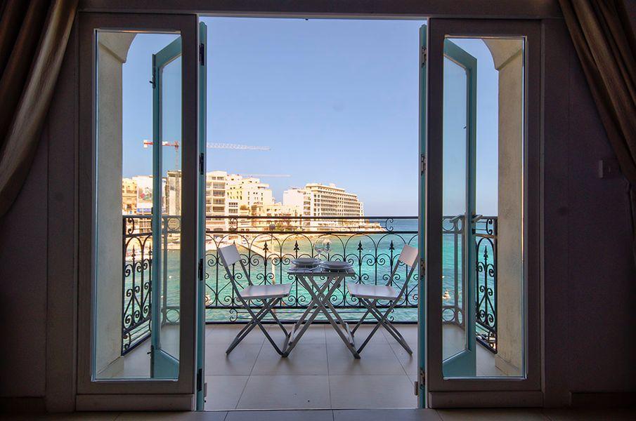 Fantastic St Julians 2-bedroom Seafront Apartment
